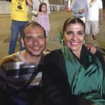 Simao Hernández con Maria Elena Leal Beltrán disfrutando de la Actuación de Los Tucanes después de actuar
